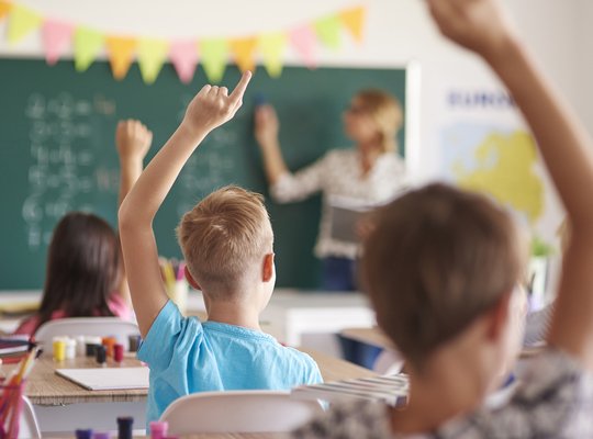 Minister Weyts investeert € 101.878,27 in Vrije Basisschool - De Duizendpoot in Glabbeek