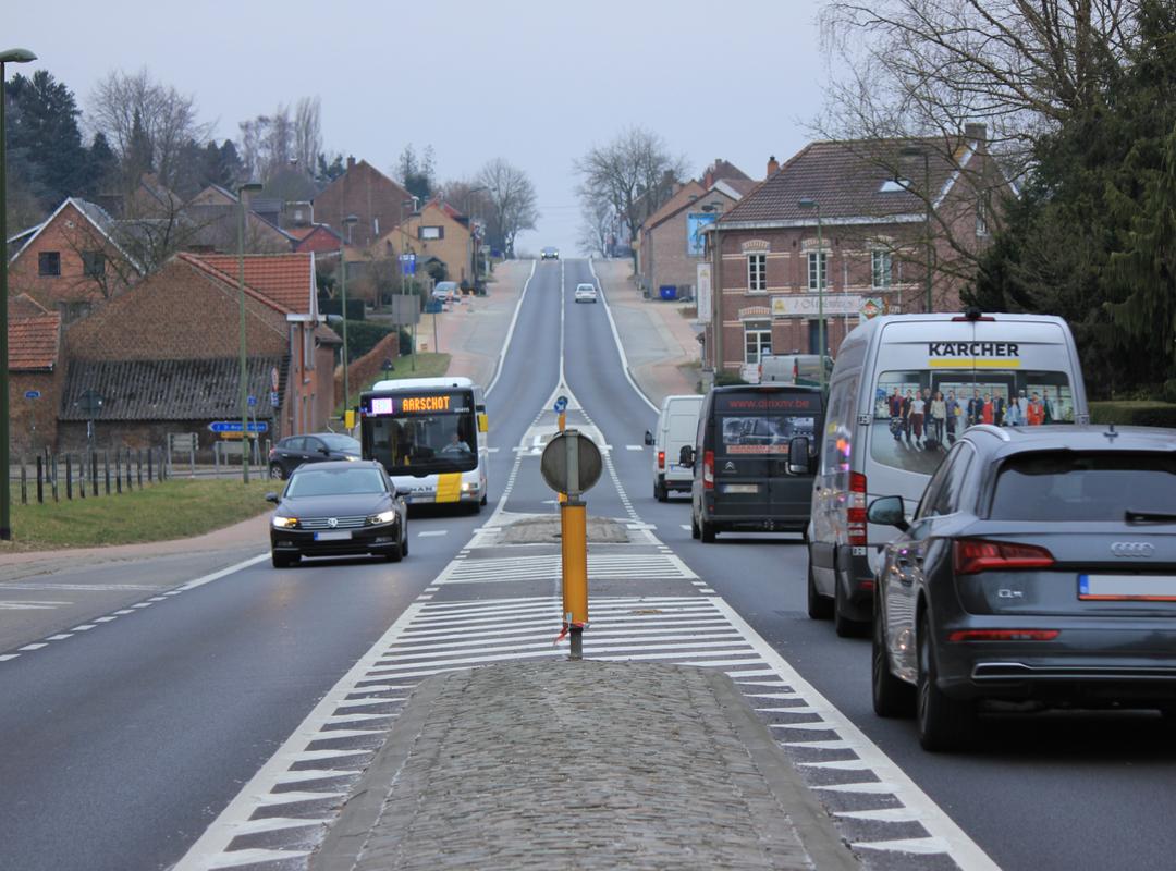Kruispunt Tiensesteenweg (N29), Sint-Quirinussraat en Houtemsesteenweg